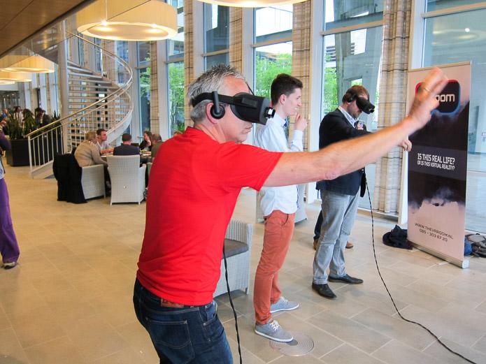 Virtual Reality. Impact, risico's & voorbeelden | door Peter Joosten
